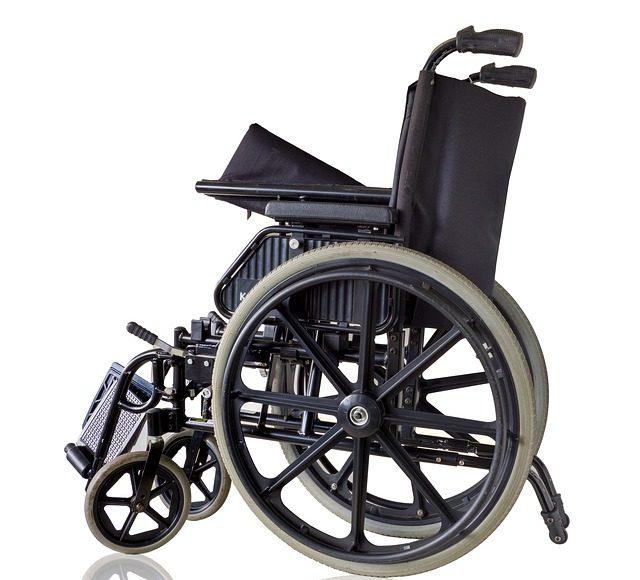 scaun cu rotile